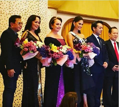 Miss Universe queens share one stage