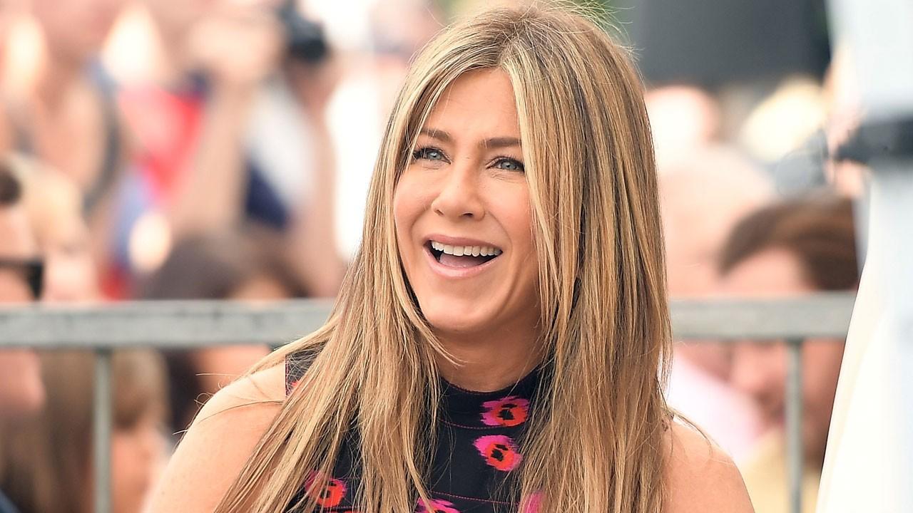 Jennifer Aniston Sports a Wedding Ring on Set of New Movie